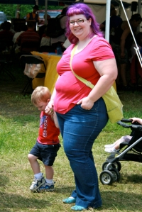 fat mother with kid
