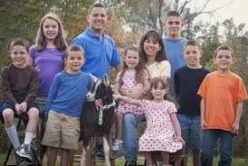 white family with 8 kids