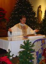 Monsignor Ray Lopatesky  celebrate Christmas Mass
