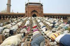 Thousands of muslim men praying